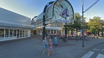 Beveiliger van Nederlands shoppingcentrum beticht 15-jarig meisje van winkeldiefstal en verkracht haar daarna
