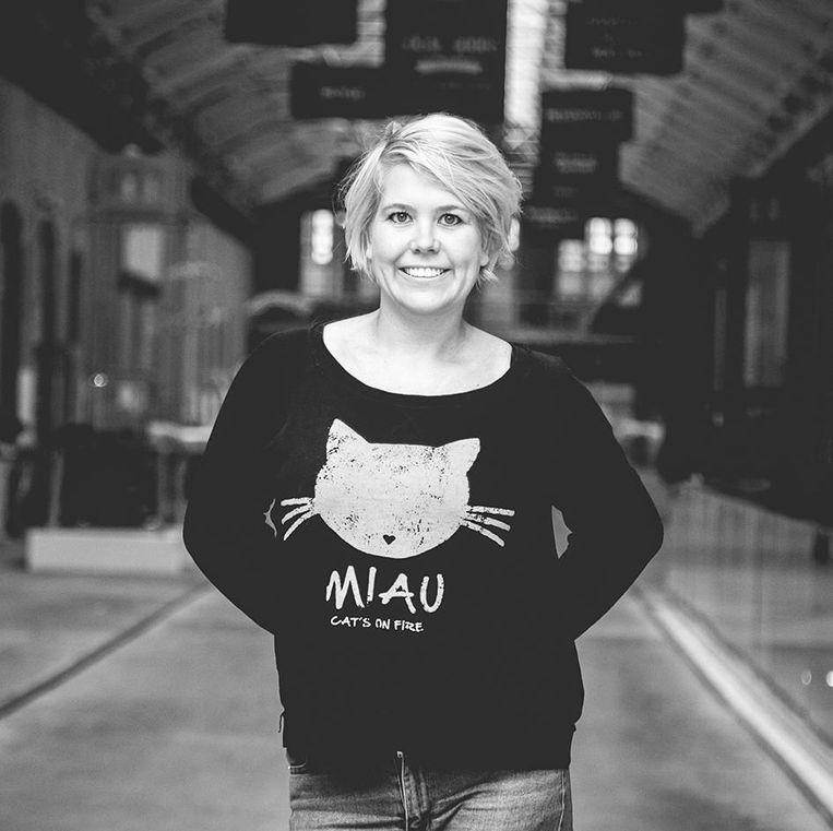 Linda Duits: publicist, gespecialiseerd in populaire cultuur Beeld -