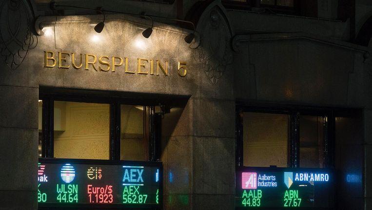 De AEX-index op Beursplein 5 sloot 0,9 procent hoger op 523,87 punten. Beeld anp
