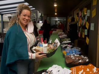 Pizza en geschenkmand voor personeel Woonzorgcentrum Armonea