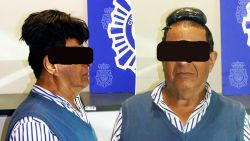 Colombiaan smokkelt halve kilo cocaïne ... onder pruik