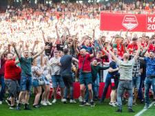 FC Twente krijgt boete voor veldbestorming na behalen titel