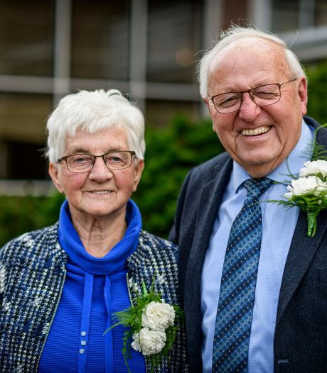 Echtpaar in Markelo 65 jaar samen: 'We zijn dankbaar dat iedereen gezond is'