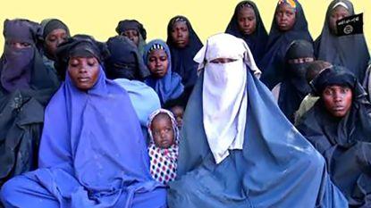 Leger Nigeria bevrijdt door Boko Haram ontvoerde meisjes