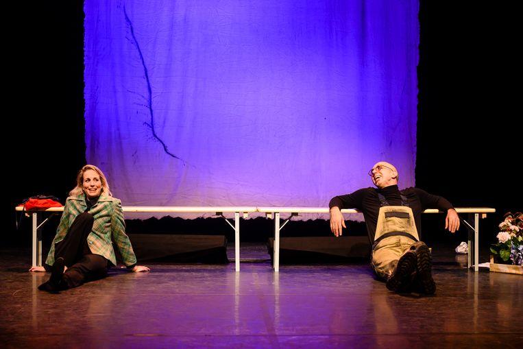 Alexandra Alphenaar en Ara Halici in de nieuwe Nederlandse musical 'Een leven samen'. Beeld Annemieke van der Togt