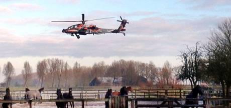 Niet schrikken, het is maar een oefening: F-16's jagen op helikopters