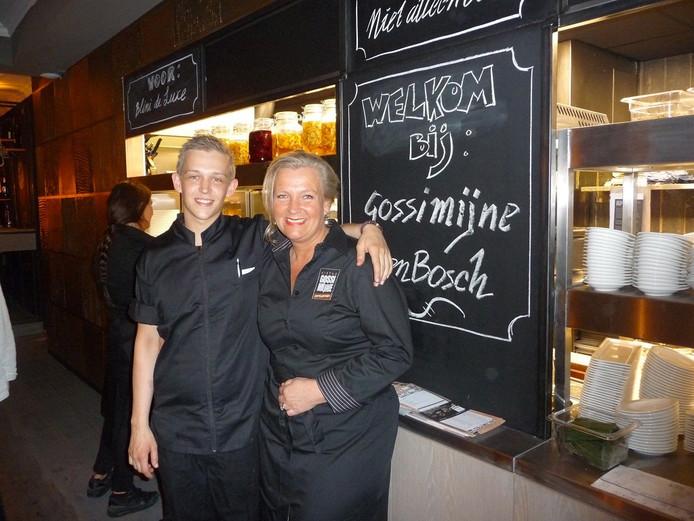 Moeder en zoon en de uitbaters van Gossimijne: chefkok Frank van Leeuwerden Hensen en Karin Hensen