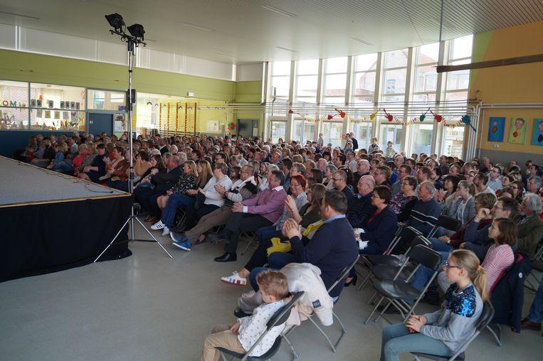 Ook de turnzaal van De Zonnebloem zat vol.