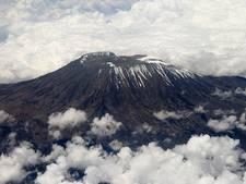 Rotterdammers beklimmen Kilimanjaro voor War Child