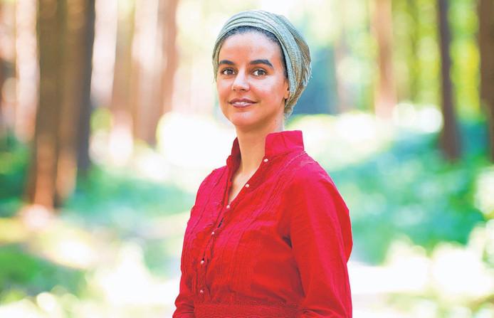 Nora Kasrioui in het Mastbos, waarze vaak groepstrainingen doet.