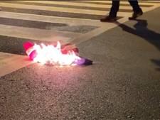 Un drapeau américain brûlé à Washington