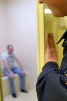 Politie sluit cellen in Ede, Tiel, Doetinchem, nieuw arrestantencomplex in Elst voor heel de regio