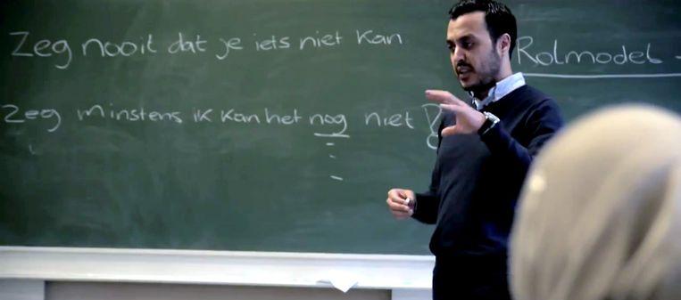 Filmpje voor de campagne 2014 van de Rotterdamse moslimpartij Nida met voorman Nourdin El Ouali. Beeld