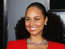 Alicia Keys presenteert de Grammy's weer