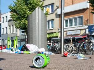 Hoe verlos je Antwerpen van zwerfvuil? Sam Van Rooy (VB) wil draconische boetes, schepen Fons Duchateau (N-VA) wijst op duidelijk gestegen pakkans