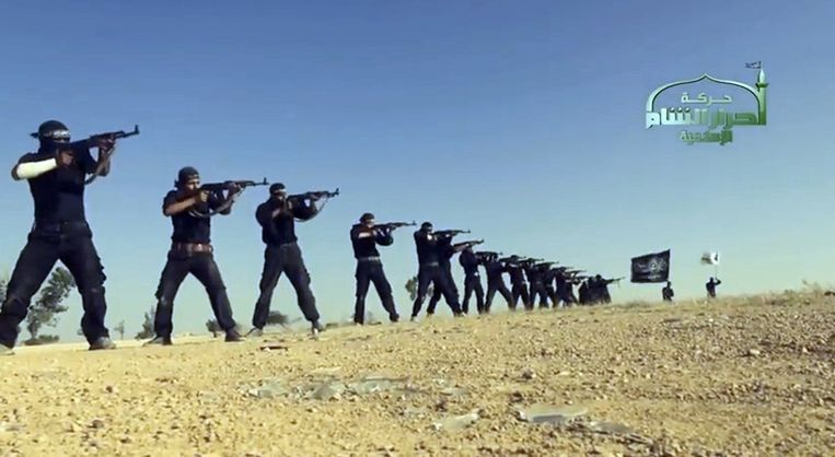 Still uit een propagandafilmpje van IS.