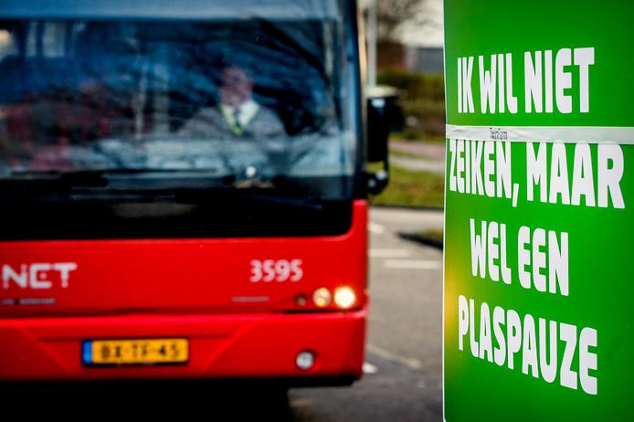 In december voerden buschauffeurs in Noord-Holland nog actie tegen hoge werkdruk. Ook zij klaagden over het gebrek aan tijd om naar het toilet te gaan.