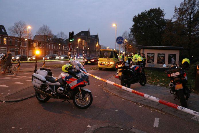 Een voetganger en scooterrijder kwamen met elkaar in botsing op de Vleutenseweg.