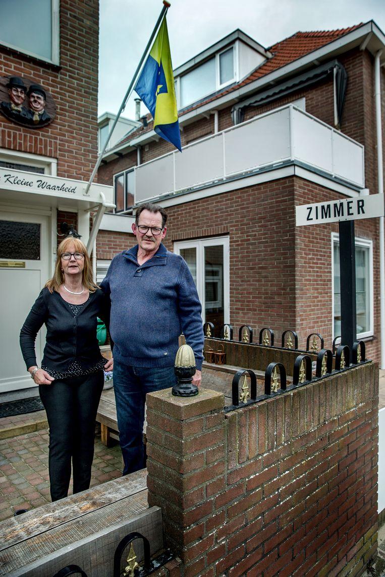 Formule 1-voorstanders Sonja en Arie van der Sloot. Beeld Jean-Pierre Jans