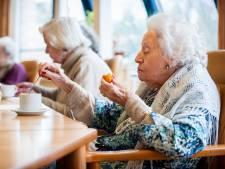 Proef met extra eiwitten voor ouderen in hapjes