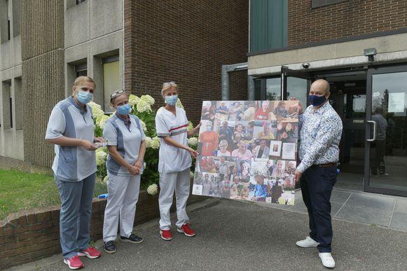 Hendrik Leeman (rechts op de foto) maakte een canvas, met daarop foto's van bewoners en zorgverleners, als eerbetoon voor al het zware werk van de voorbije maanden.