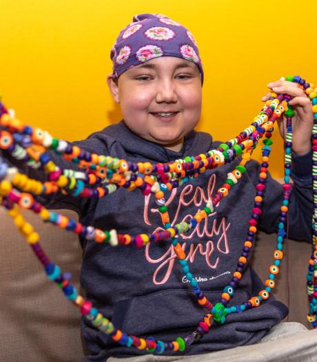 Jade (10) uit Goes kreeg leukemie, ze heeft 696 behandelingen achter de rug