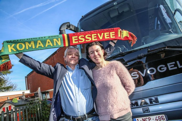 Zaakvoerders Christ Delmotte en Joke Verlinde van Bussen De Reisvogel.