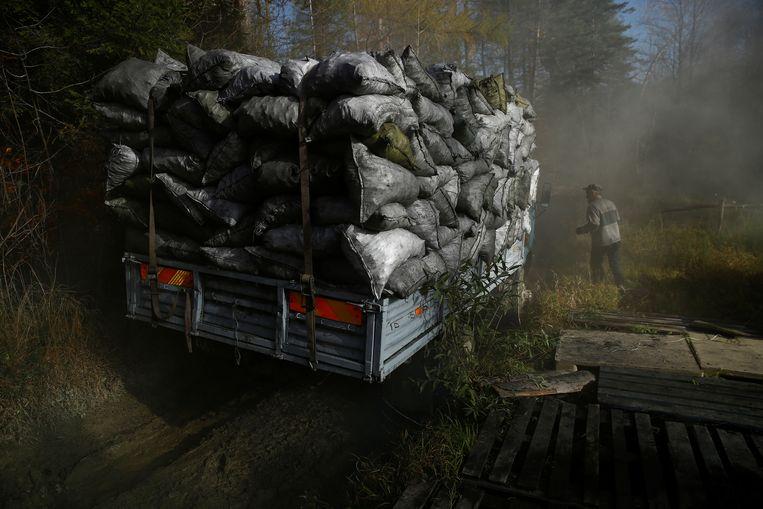 Polen wil af van Russische kolen, maar gebruikt toch veel. De reden: uit Rusland is het goedkoper.  Beeld Reuters