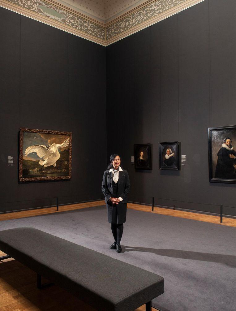 Brigitte Hewitt in het Rijksmuseum Beeld Friso Keuris
