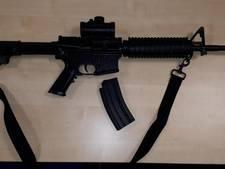 Mannen met nepvuurwapen aangehouden in Ouderkerk