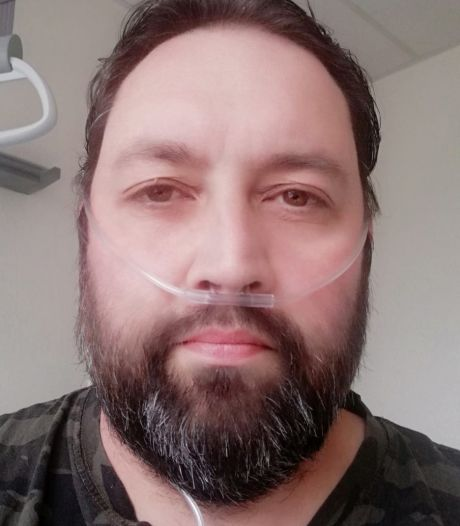 Ziekenhuis Rotterdam te vol, coronapatiënt Metin (42) ligt nu in Winterswijk: 'Ik heb gehuild in de ambulance'