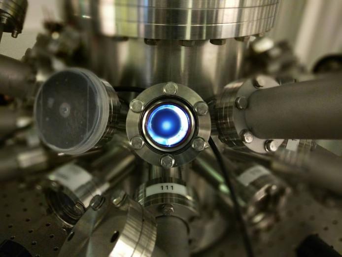 De ARCNL beschikt over een druppelgenerator en plasmabron waarmee wetenschappers proeven kunnen doen.