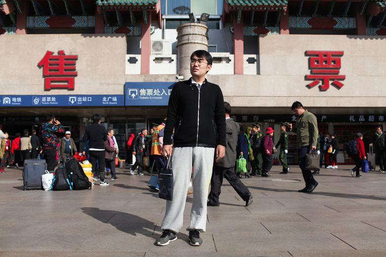 Hu Jinming (23): 'Ik heb veel contacten gemaakt door de trein.' Beeld Elke Scholiers