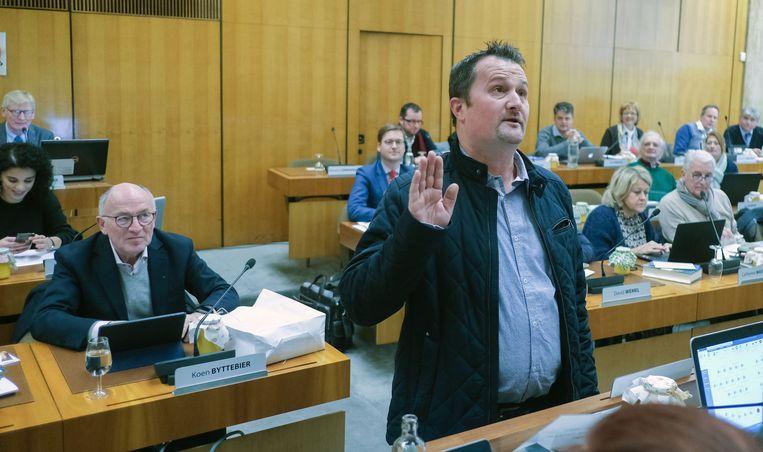 Dieter D'Alwein vervangt op zijn beurt Wouter Allijns als gemeenteraadslid, ook tot april.