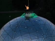 Henri PFR mixe au sommet de l'Atomium, une première