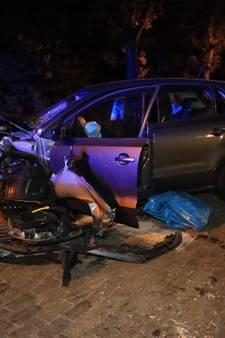 Ravage na eenzijdig ongeval in Handel, bestuurder lichtgewond