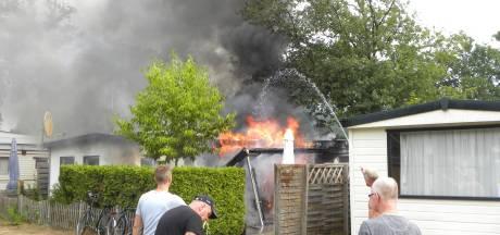 Stacaravan op camping Lansbulten in Aalten vat vlam