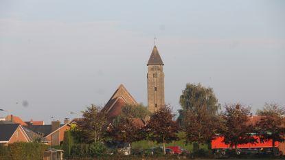 Studie onderzoekt welke van twee kerken open mag blijven