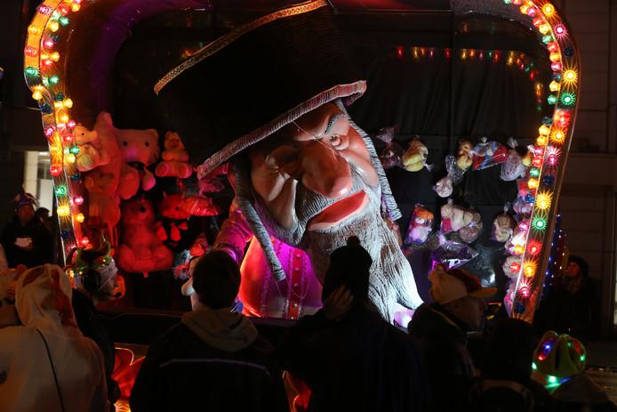 Les poupées de la controverse au carnaval d'Alost, ce dimanche.