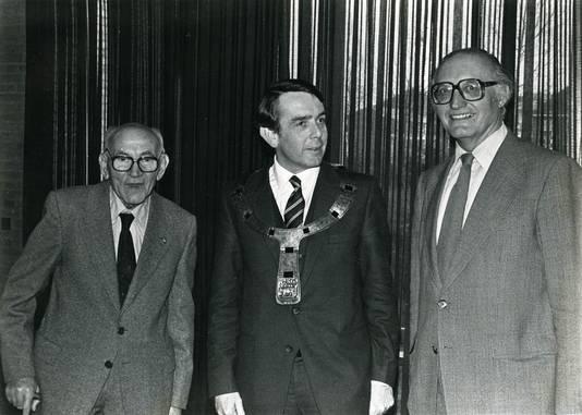 Drie naoorlogse opbouwburgemeesters van Oss: G. Delen (1946), E. van Veldhuizen (1980) en L. Jansen (1963) in 1981.