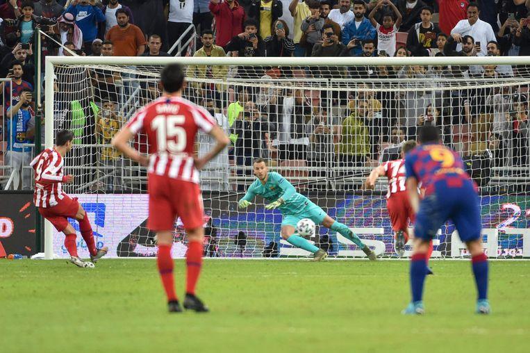Morata benut zijn penalty voor de 2-2.