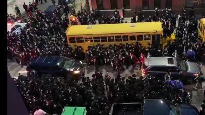 New Yorkse burgemeester De Blasio woedend na massale opkomst chassidische joden op begrafenis door coronavirus overleden rabbijn