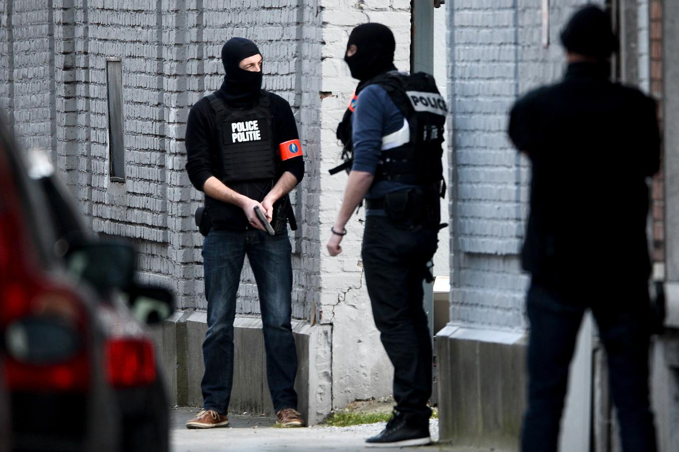 Abdeslam kon op 15 maart 2016 ontsnappen na een schietpartij in de Driesstraat in Vorst. Een week later zouden de aanslagen in Brussel plaatsvinden.