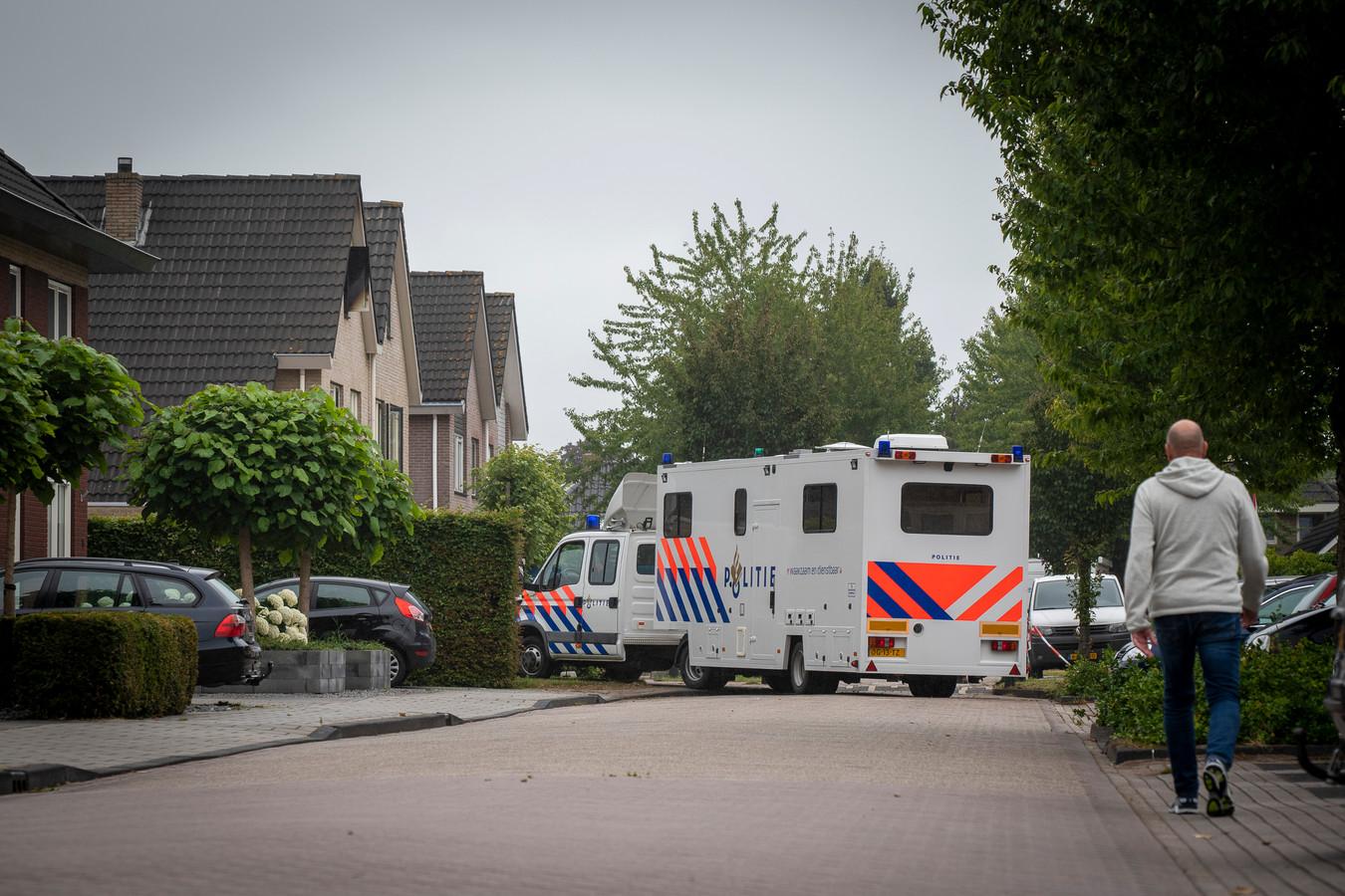 Bij de woningbrand in Nieuwleusen kwam zondagochtend een 22-jarige leerling van het Eindhovense Summa College om het leven.