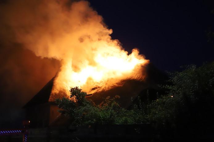 De grote brand bij de woning in Wadenoijen