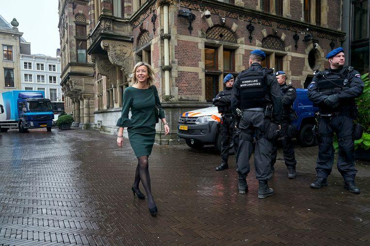 Kajsa Ollongren op het Binnenhof. Beeld Phil Nijhuis