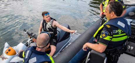 Waterpolitie deelt twee keer zoveel boetes uit op Dordtse wateren