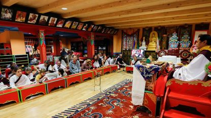 Boeddhistische monniken misbruiken Westerse vrouwen onder 't mom van 'speciale praktijken' en 'gekke wijsheid'