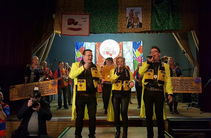 De winnaars van het Maaslands Carnavals Liedjes Festival.
