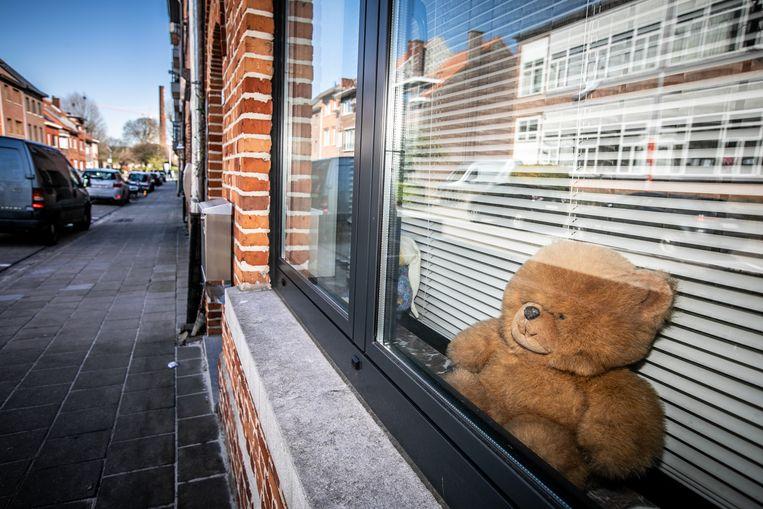 Kinderen kunnen op 'berenjacht' gaan door tijdens het wandelen teddyberen te spotten.
